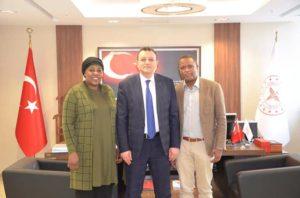 Avec le DG de relations et évacuations sanitaires internationales au Ministère de la santé de Turquie