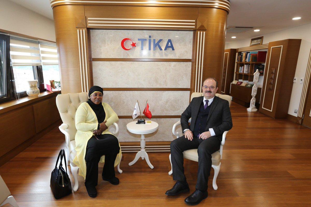 Ambassadeur du Niger à Ankara Adama Gazibo Salou a rendu visite au président de TİKA (Agence turque de coopération et de coordination), Serdar Çam.
